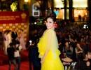 Hoa hậu Di Khả Hân hóa mai vàng trên thảm đỏ