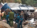 Xe chở thiết bị công nghệ lao xuống vực, 3 người tử vong