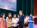 Trường ĐH Sư phạm 2 hỗ trợ 121 sinh viên hoàn cảnh khó khăn về quê ăn Tết