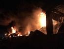 Hàng trăm chiến sĩ dập đám cháy lớn tại xưởng lốp