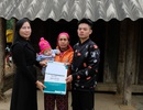 Trao gần 165 triệu đồng đến gia đình bé 5 tháng tuổi bệnh tật, mồ côi mẹ