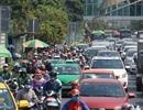 TPHCM lại bất ngờ cho phép taxi, xe khách hoạt động