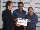 Cảm phục vợ chồng khiếm thị cưu mang người khuyết tật, Báo Dân trí hỗ trợ 25 triệu đồng