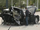 """Nissan GT-R vượt đèn đỏ, đâm """"rách đôi"""" xe Tesla Model X"""