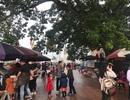 Mùng 1 Tết, người dân chen chân dâng hương ở ngôi đền linh thiêng bậc nhất xứ Nghệ
