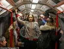 Trang phục kỳ lạ dành cho du khách đến London
