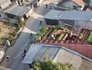 """Lạ lùng đôi vợ chồng Quảng Ngãi xây """"ruộng bậc thang"""" trên sân thượng trồng rau xanh"""