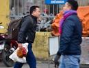 Người dân mang gà, vịt trở lại thủ đô sau kỳ nghỉ Tết Nguyên đán