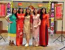 Xuân về trên St. Louis, thiếu nữ Việt khoe sắc trong tà áo dài