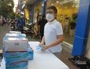 Cậu bé 11 tuổi dành hết tiền lì xì mua khẩu trang tặng người Sài Gòn