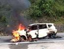 Ô tô bốc cháy sau tiếng nổ, 2 người trên xe tử vong