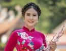 Hoa hậu Ngọc Hân mặc áo dài, dạo Văn Miếu ngày đầu năm