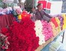 Hoa tươi Valentine bán chậm, mua hàng online được giảm nửa triệu đồng