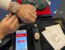 Valentine: Người tặng quà dát kim cương, kẻ trớ trêu nhận vỏ... điện thoại