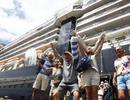 """Thế giới """"nín thở"""" khi hàng nghìn người trên các """"du thuyền corona"""" về nước"""