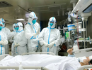 Mỗi gia đình bác sĩ tử vong vì dịch corona tại Trung Quốc được nhận 700 USD