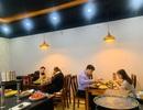 Mùa dịch: Nhà hàng thua lỗ, dịch vụ trông trẻ, giao hàng lại kiếm đậm