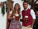 Ngắm những bóng hồng xinh đẹp hết lòng cổ vũ cho Bayern Munich