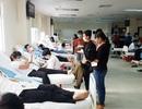 Tiếp nhận thêm nhiều đơn vị máu quý giá giữa mùa dịch corona