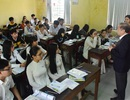 Chủ tịch tỉnh Thừa Thiên Huế kiểm tra công tác phòng dịch của nhà trường