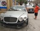 Cận cảnh những chiếc xe sang tiền tỉ bị bỏ quên giữa lòng Hà Nội
