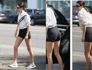 """Kendall Jenner """"lộ"""" chân dài thon thả"""