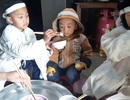 Bạn đọc giúp đỡ 3 đứa trẻ mồ côi bố hơn 95 triệu đồng