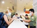 Dừng cấp thị thực tới Việt Nam với mọi khách nước ngoài từ đêm nay