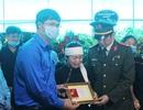 Trao Huy hiệu Tuổi trẻ dũng cảm tới Đại úy công an hi sinh khi bắt tội phạm