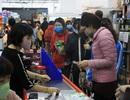 Hà Nội: Hàng cung ứng dồi dào nhưng một số người dân vẫn lo lắng dự trữ