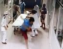 Tạm giam nhóm côn đồ hành hung bác sĩ ở tuyến đầu chống dịch