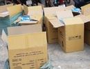 Khám xét khẩn cấp nhà đối tượng nghi buôn bán khẩu trang đã sử dụng