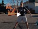 Lập kỷ lục thế giới về số lần tung hứng kiếm lửa trong 30 giây