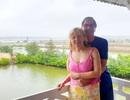 Niềm hạnh phúc gặp lại của 2 vợ chồng người Anh được chữa lành Covid-19