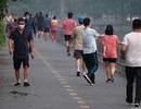 Nhộn nhịp tập thể dục trên con đường đi bộ dài nhất Hà Nội