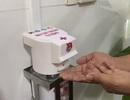 ĐH Bách khoa Đà Nẵng bàn giao máy rửa tay sát khuẩn tự động đến bệnh viện