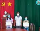 Hai chị em ở Phú Quốc đập heo đất ủng hộ quỹ phòng chống Covid-19