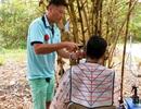 HLV Huỳnh Đức trổ tài cắt tóc cho học trò và trợ lý giữa mùa Covid-19