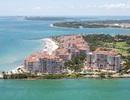 Cuộc sống sang chảnh giữa tâm bão corona tại hòn đảo giàu nhất nước Mỹ
