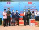 Quảng Bình tặng tỉnh Khăm Muộn thiết bị y tế chống dịch trị giá 1,5 tỷ đồng