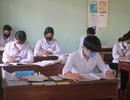 Gia Lai: Hàng ngàn học sinh khối 9, 12 đến lớp học, ngồi cách nhau 1,5m