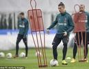 C.Ronaldo trở lại Italia sau 2 tháng tránh dịch