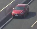 Xe ô tô đi ngược chiều trên cao tốc Hà Nội - Hải Phòng