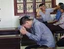 """Giết người vì bị """"trẻ con đánh"""", người đàn ông bật khóc cầu xin sự tha thứ"""