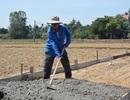 Lão nông 70 tuổi góp 160 triệu làm đường khiến cả xóm sững sờ