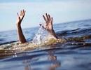 Rủ nhau xuống đập nước tắm, 3 em nhỏ chết đuối thương tâm