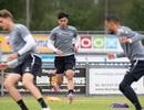 Văn Hậu tích cực luyện tập cùng đồng đội tại Heerenveen
