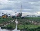 Máy bay hạ cánh trượt khỏi đường băng Tân Sơn Nhất