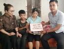 Cậu bé bán thóc chữa bệnh cho mẹ đón nhận hơn 123 triệu đồng của bạn đọc