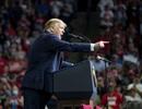 2 nhân viên của ông Trump mắc Covid-19 sau sự kiện tranh cử nghìn người